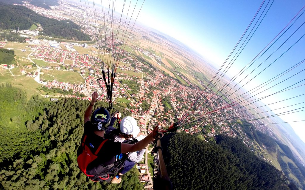 brasov, roemenie, paragliden, vakantiefoto, reisbestemming